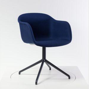 Muuto Fiber Armchair darc blue - bei feco-feederle- Ihrem Muuto Partner in Karlsruhe und im feco Onlineshop