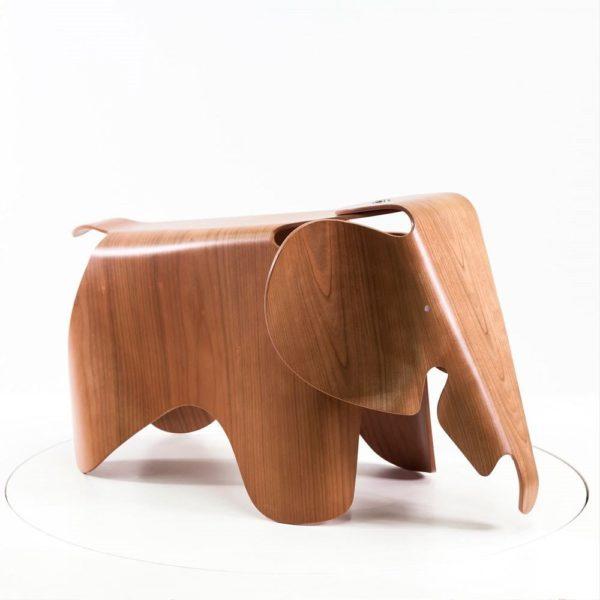 Vitra Eames Elephant Plywood aus Kirschbaum - mehr von VItra bei Ihrem Vitra Partner in Karlsruhe - feco-feederle GmbH
