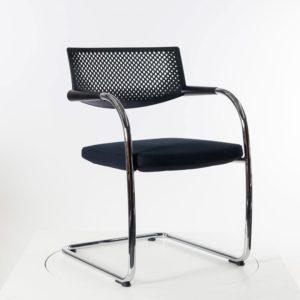 Vitra Visavis 2 Freischwinger - sofort lieferbar ✓ Einzelstück ✓ Rücken mit filigranem Lochmuster ✓ Sitz vollgepolstert in Farbe nero