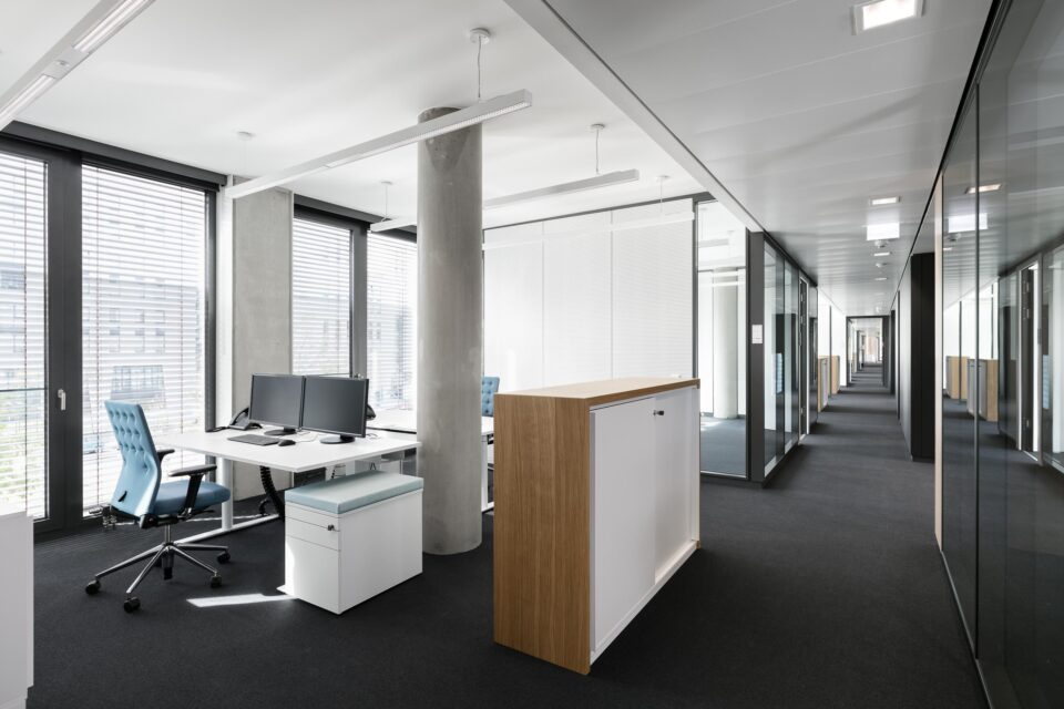Flexible offices with feco partition wall systems | KVBW Karlsruhe