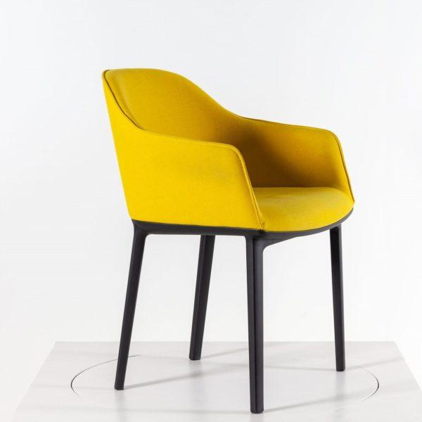 Vitra Softshell Chair Vierbein-Untergestell senfgelb