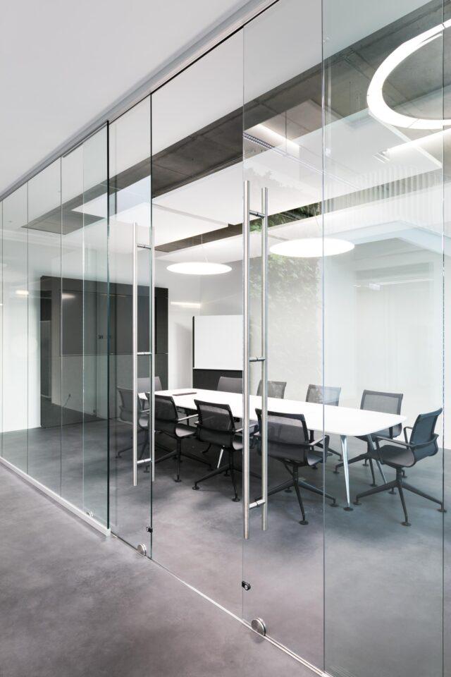 feco partition wall systems│maximum transparency | La Biosthétique Paris