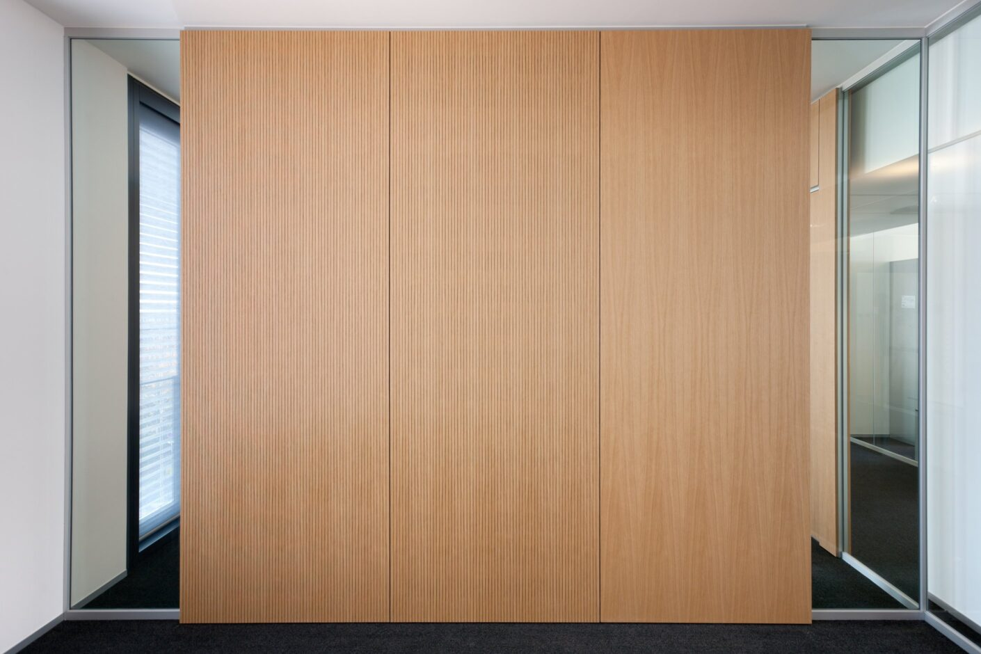 fecowand│feco partition walls│R+V Wiesbaden