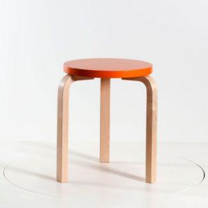 Artek Hocker S60 Sitz lackiert orange│stapelbar│Artek bei feco Karlsruhe