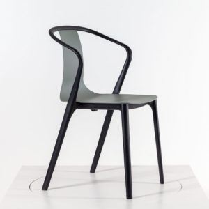 Vitra Belleville Armchair - stapelbar, outdoorfähig, moosgrau