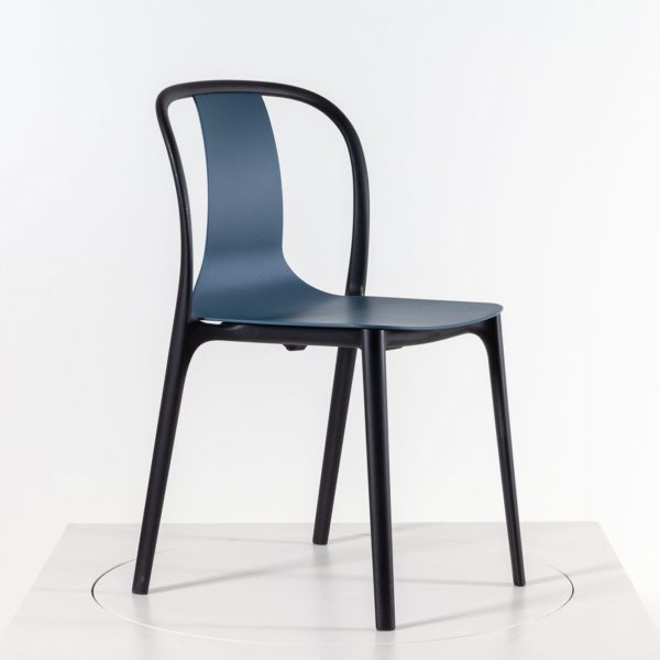 Vitra Belleville Chair Outdoorstuhl, meerblau│Vitra Stühle bei feco Karlsruhe
