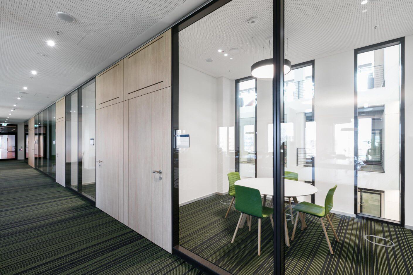 fecofix│feco partitions walls│Frankfurt School of Finance & Management