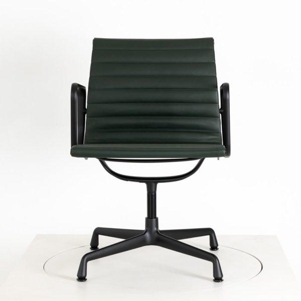 Vitra Alu Chair EA108 drehbar │Premium Leder jade │Vitra in Karlsruhe