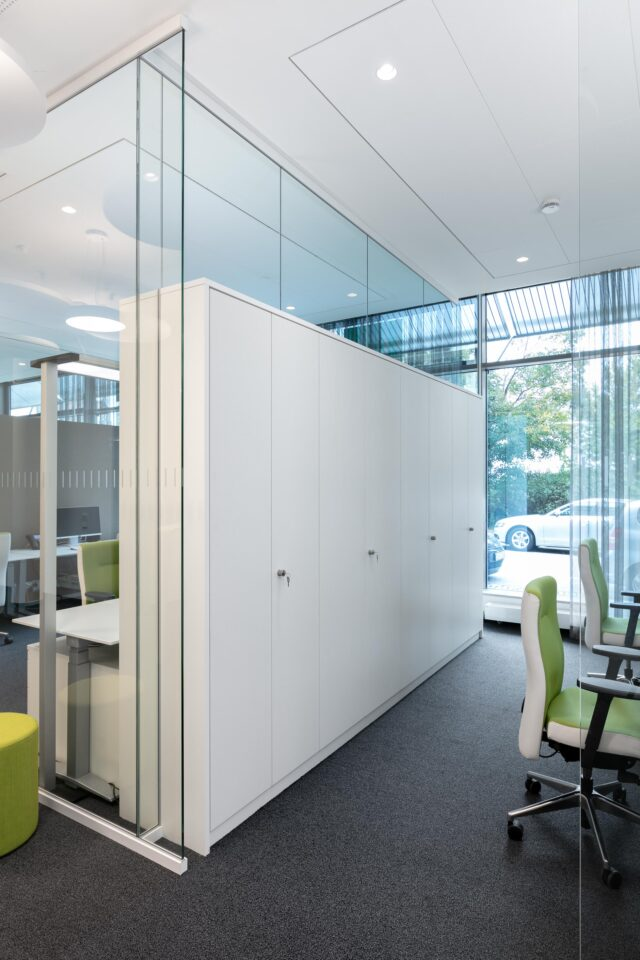 feco-feederle│partition walls│AOK Office Stuttgart