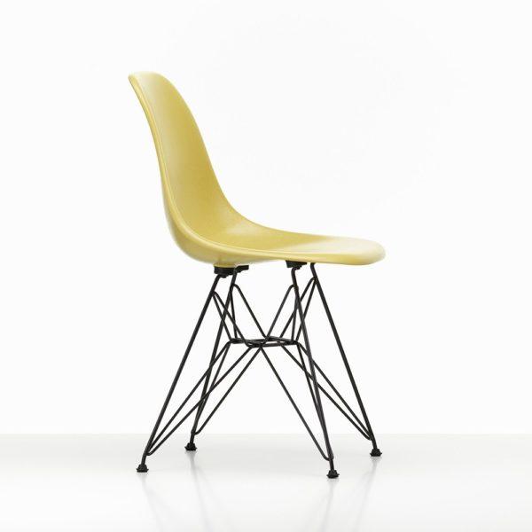 Vitra Winteraktion│Vitra Eames Fberglass Side Chair light ochre│ Vitra bei feco Karlsruhe