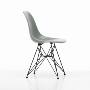 Vitra Eames Fiberglass Side Chair│sea foam green│Vitra in Karlsruhe