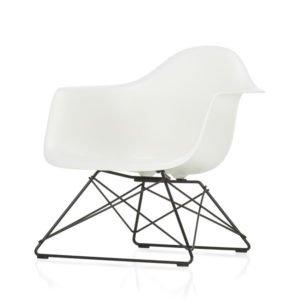 Vitra Eames Plastic Armchair LAR als Geschenk bei feco Karlsruhe
