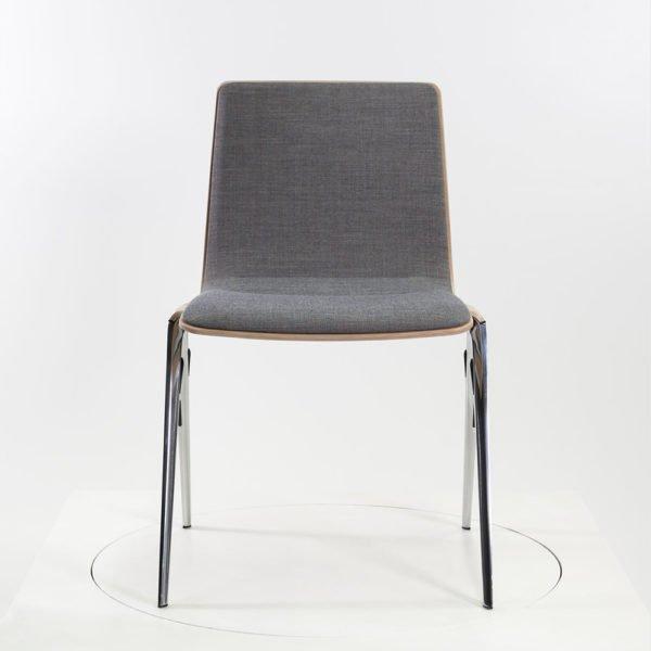 Brunner A-Chair Stapelstuhl│Eichenfurnier│Kvadrat remix 2│Brunner in Karlsruhe