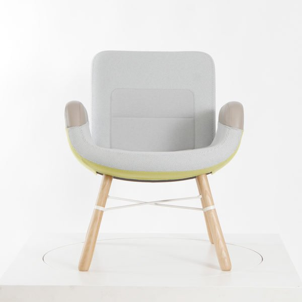 Vitra East River Chair│Eiche Natur│Stoffmix Light│Vitra in Karlsruhe