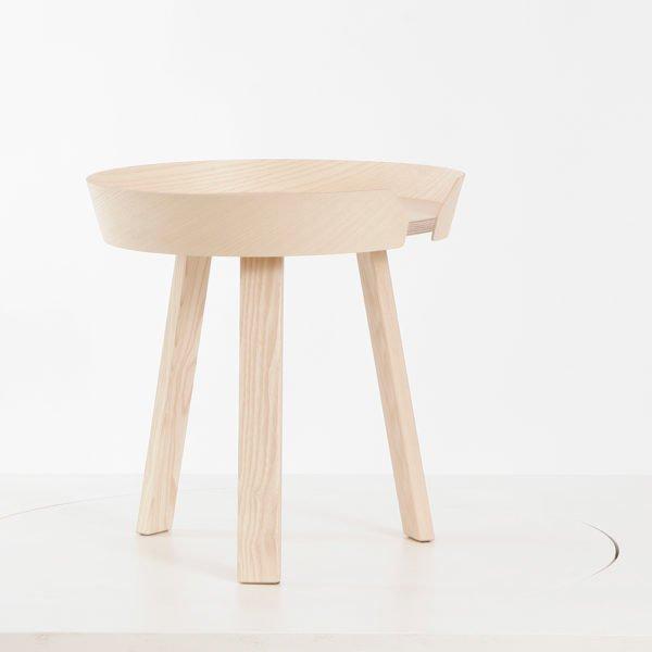 Muuto in Karlsruhe│Beistelltische Arround Table kein aus Eschenholz, natur│feco-forum Karlsruhe