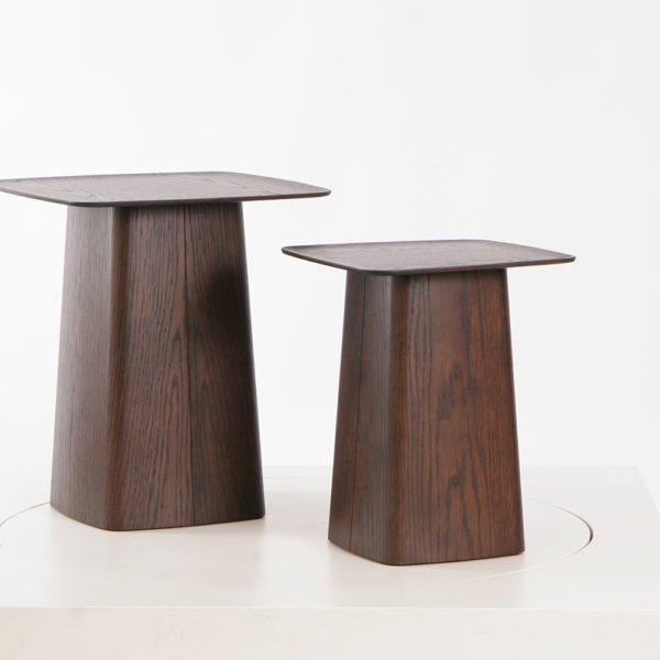 Vitra Wooden Side Table klein und mittel Eiche natur dunkel│Vitra Beistelltisch bei feco Karlsruhe│Couchtische aus Holz│Nachhaltige Couchtische