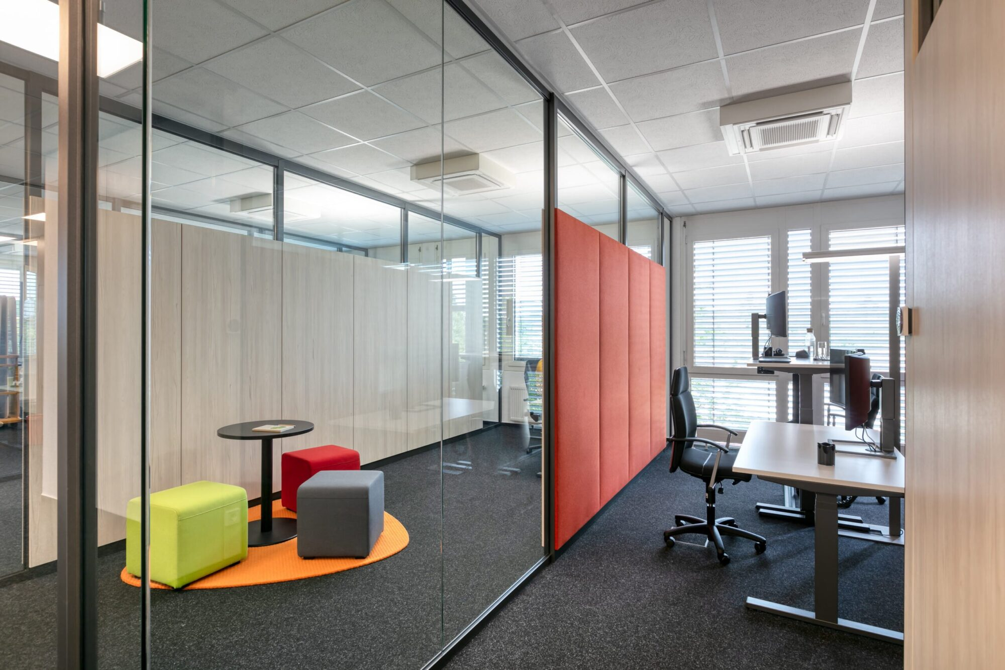 Fraunhofer ISI, Technologie Park Karlsruhe │feco-feederle GmbH Karlsruhe │ feco-Systemtrennwände │ markenstarke Einrichtung