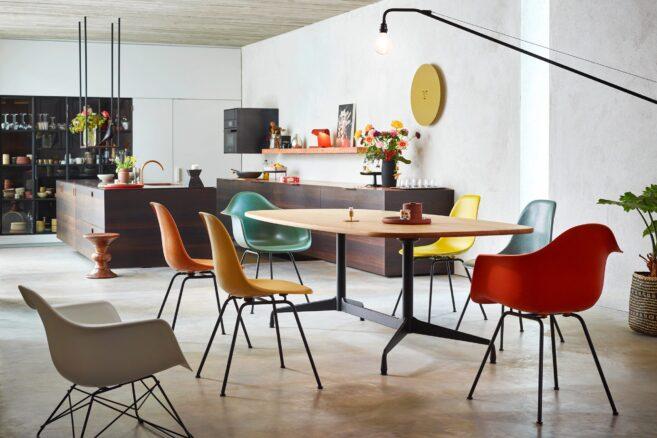 Vitra Segmentet Table │Vitra Eames Chairs │ Vitra bei feco in Karlsruhe