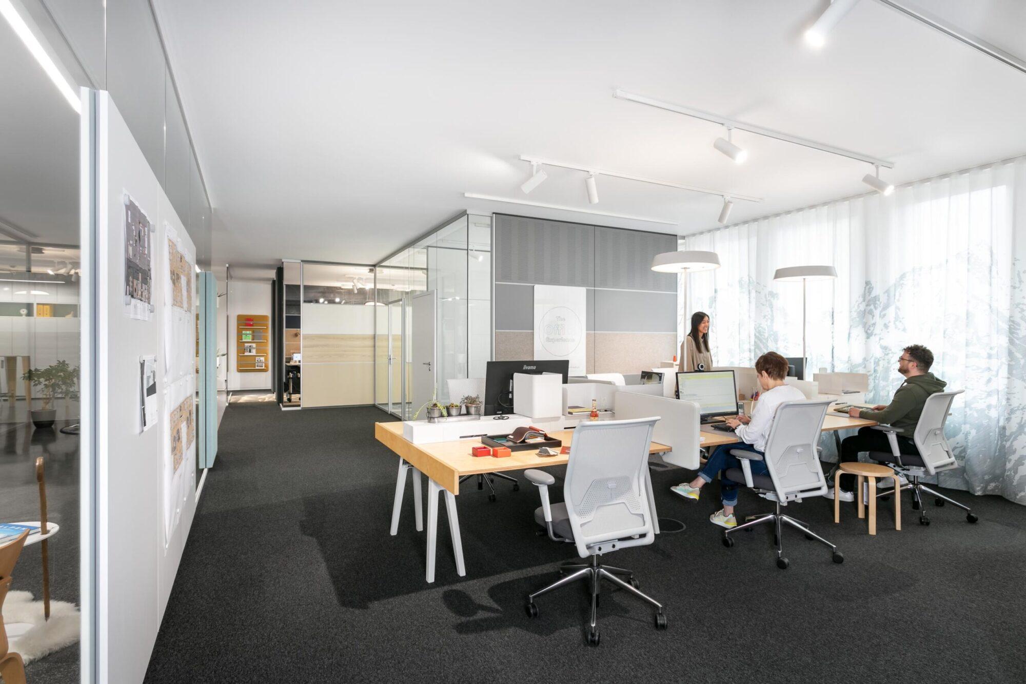 Kreative Interaktionsräume statt starrer Büroflächen