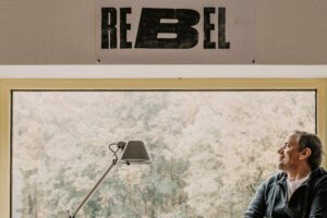 """Raphael Gielgen öffnet die """"Zoom Out"""" Perspektive und beantwortet die Fragen einer vor uns liegenden Zeit."""